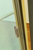 Nerezové madélko na skle - balkonové dveře PROGRESSION