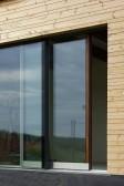 Novostavba s okny PROGRESSION a zdvižně posuvnými dveřmi