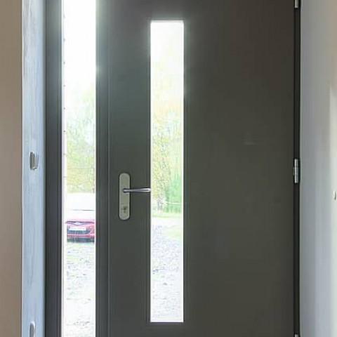 Vchodové dveře PROGRESSION s bočním světlíkem