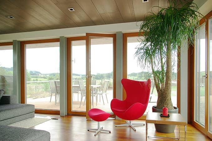 Francouzská okna - balkonové dveře dokonale propojují interiér s okolím