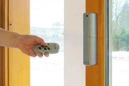 Otevírání dveří HS portal dálkovým ovladačem