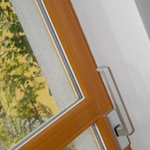 Detail kliky posuvných dveří