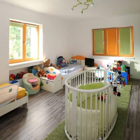 Dětský pokoj s okny SOLID COMFORT