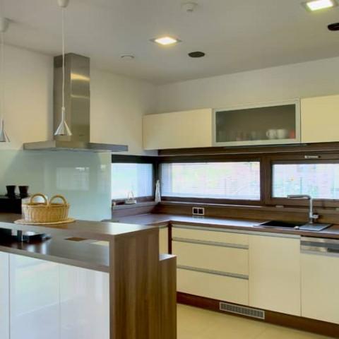 Dřevěná okna SOLID COMFORT v kuchyni