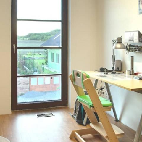 Dřevěná okna SOLID COMFORT v dětském pokoji
