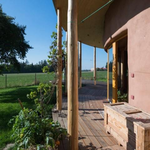 Kulatý dům s okny Slavona SC92
