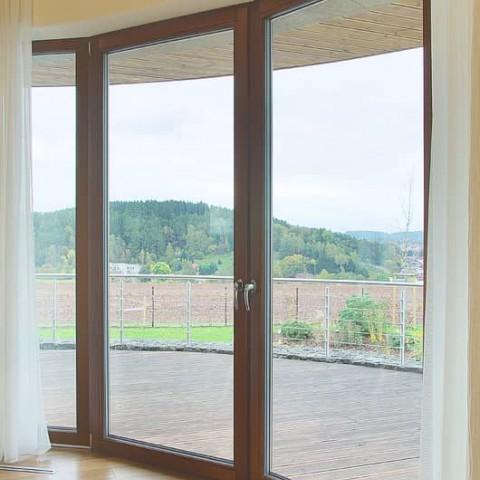 Obloukové francouzské okno, otevřít jdou dvě křídla