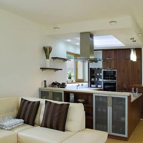 Dřevěná okna v kuchyni