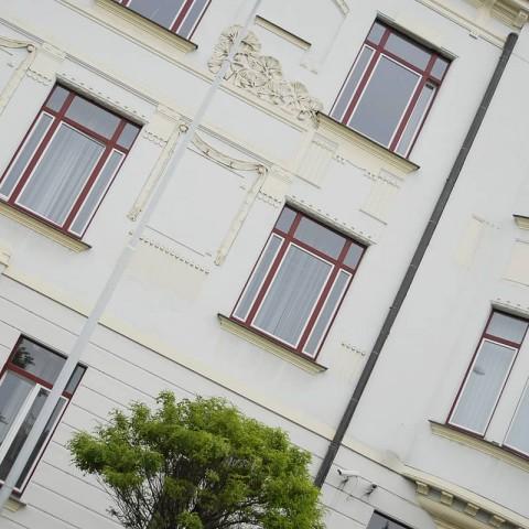 Okna s ozdobnými prvky